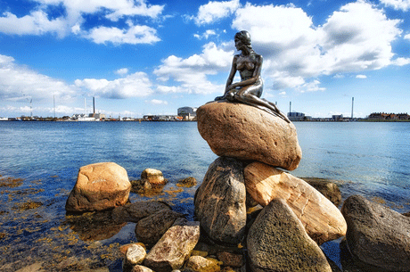 Going Danish: An Introduction to the CopenhagenSchool